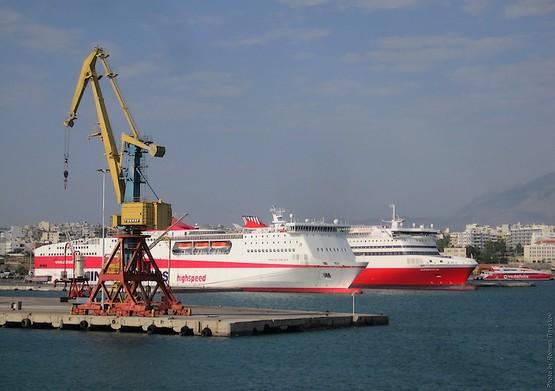 Порт острова Крит