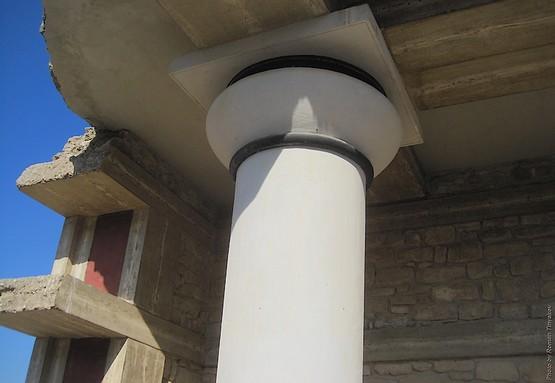 Белая колонна