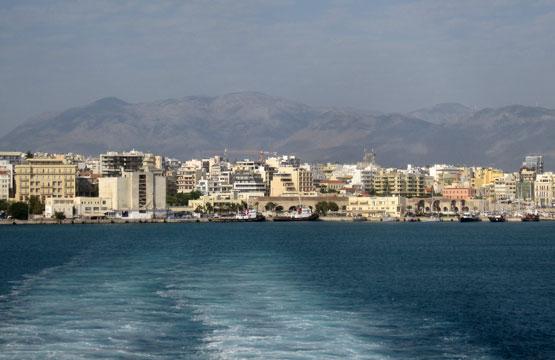В море у острова Крит