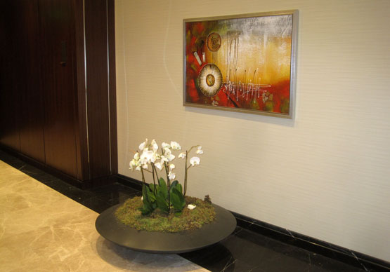 Картина и орхидеи