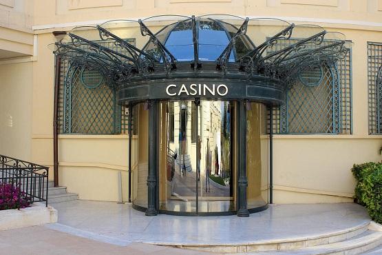 Один из входов в казино Монте-Карло
