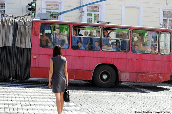 Взгляды из троллейбуса