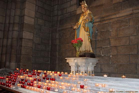Свечи в Кафедральном Соборе