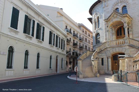 Тихая улица в Монако
