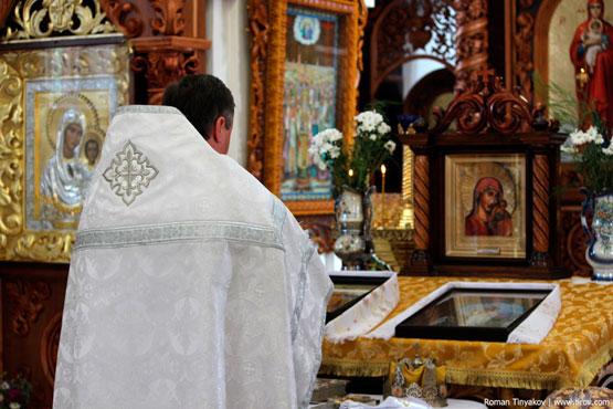 Иконы Божьей Матери в храме