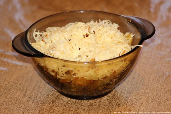 Жареный картофель под сыром