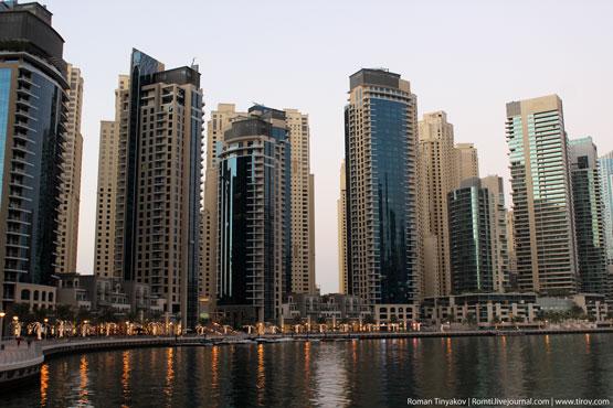 Беговая дорожка в Дубаи Марина вдоль всего залива