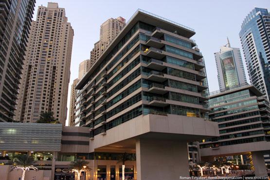 Прогулка по Дубаи Марина на яхте