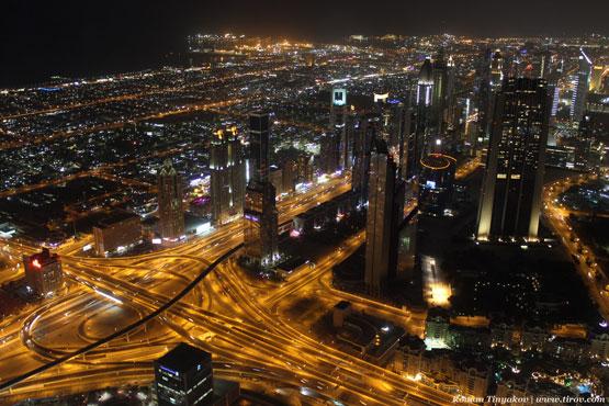 Ночной вид на Дубай со смотровой площадки Бурдж-Халифа