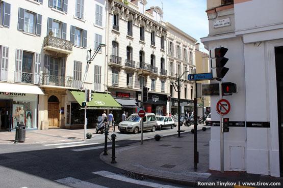 Улица в Каннах