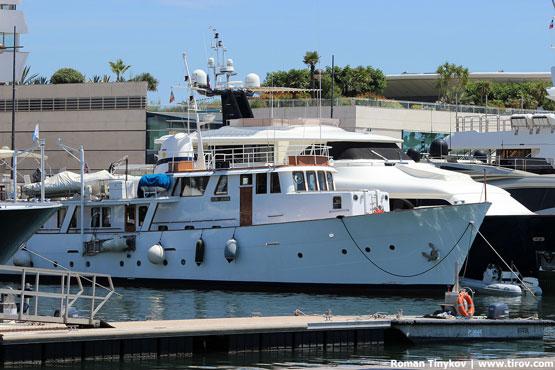 Яхты в гавани Канн