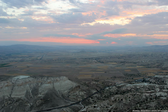 Вид с высоты птичьего полёта на Каппадокию