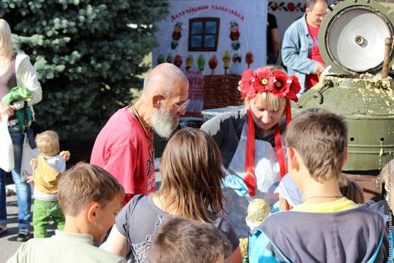 Каша для самого старшего участника пробега посвященного Дню города Первомайский