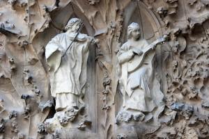 Скульптуры с музыкальными инструментами