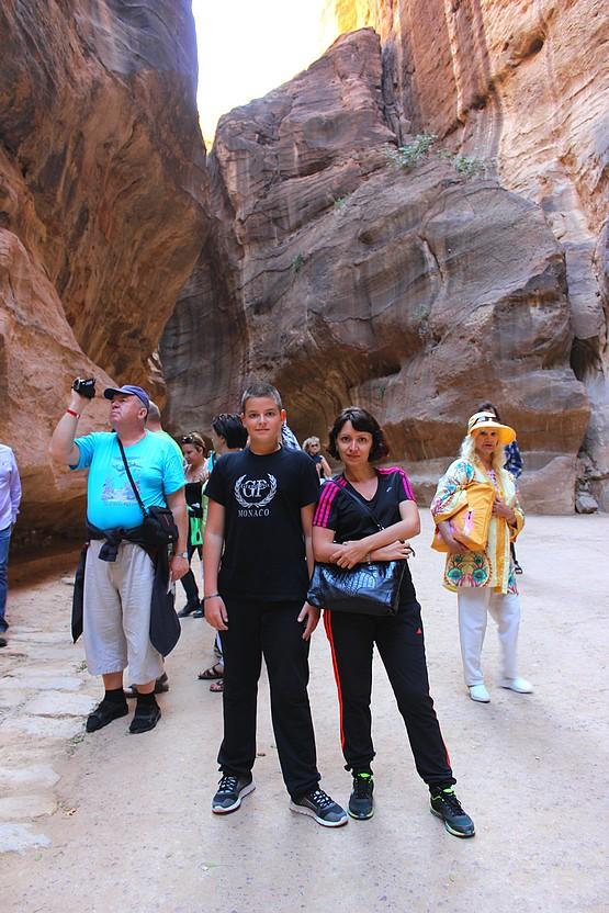 Таня и Алексей в ущелье Сик, Иордания