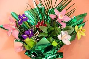 Букет орхидей к 8 марта