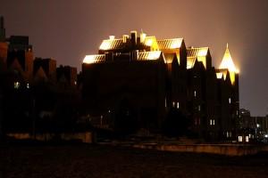 Современные замки на берегу Днепропетровска