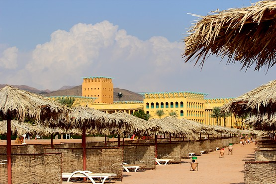 На пляже отеля InterСontinental Resort Taba Heights 5*