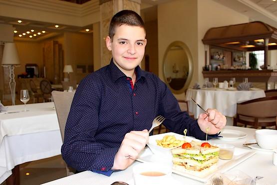 Алексей в ресторане Lobby Lounge
