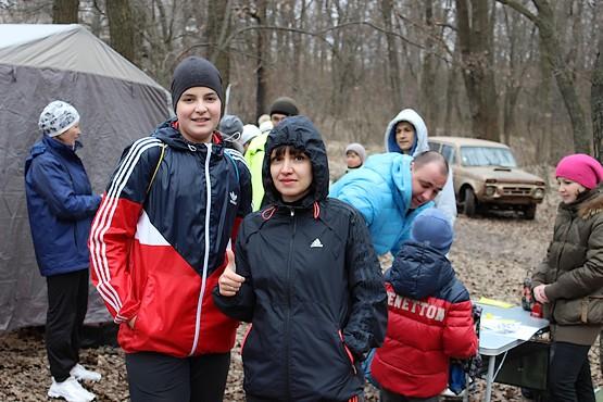 Таня с Алексеем у палатки