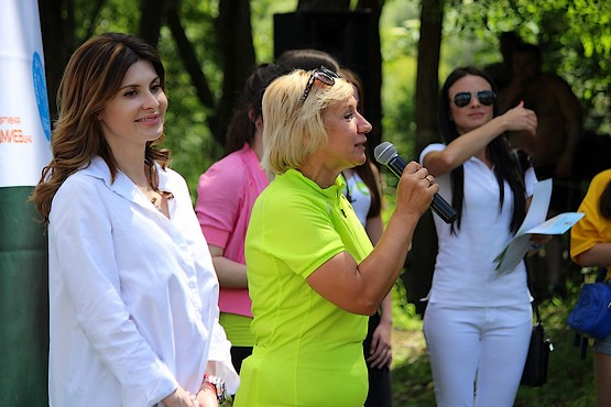 Организаторы награждают победителей Zmiiv treil