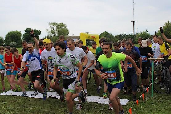 Старт на дистанции 6 км кросс + 20 км велокросс + 2 км бег