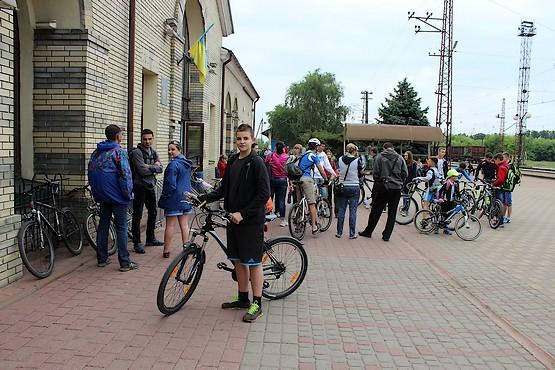 В ожидании электрички на железнодорожной станции Лихачёво