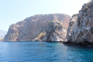 Две скалы в Средиземном море