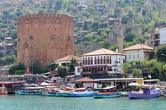 Крепость на берегу Алании