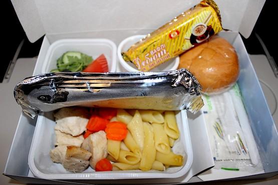 Обед от Bravo Airways