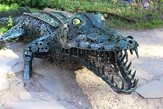 Вареный крокодил из стали