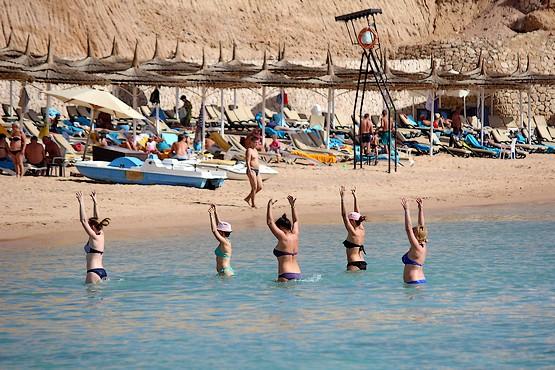 Аква аэробика в отеле Reef Oasis Beach Resort 5*
