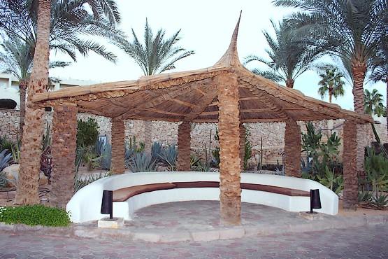 Пальмовая беседка отеля Reef Oasis Beach Resort 5*