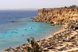 Вид на пляж с отеля Reef Oasis Beach Resort 5*