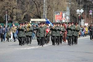 Оркестр на марше в Харькове