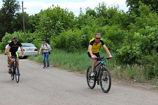 С позитивом на велосипеде