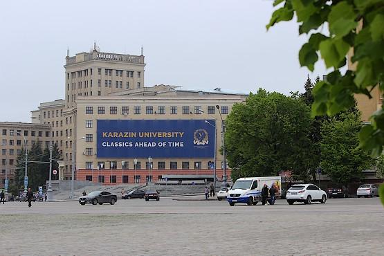 Вид с площади на академию Говорова
