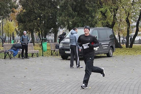 На дистанции 10 километров по набережной в Харькове