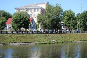 Бег по набережной у реки на 4F Kharkiv Riverside Run