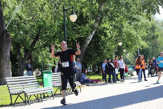 Бег в удовольствие на 4F Kharkiv Riverside Run 2018 Spring