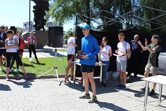 Награждение в разгаре на 4F Kharkiv Riverside Run 2018 Spring