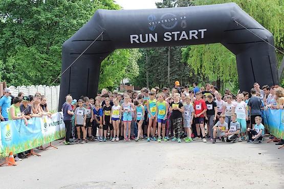 Дети в ожидании старта 1000 метров