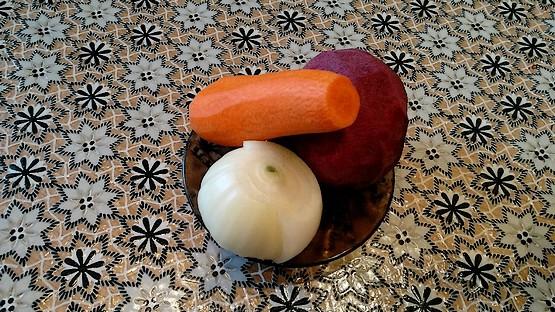 Лук, буряк, морковь