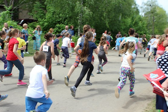 Первыми на дистанцию в 1000 метров убежали дети
