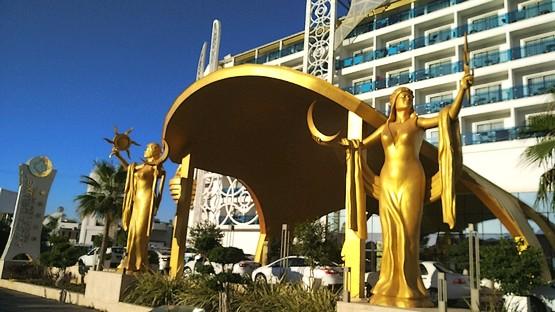 Красивые статуи