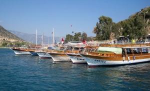 Яхты в ожидании отдыхающих
