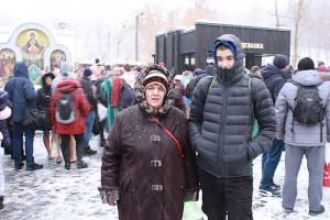 Алексей с бабушкой на источнике в Харькове