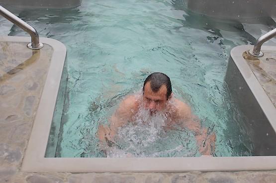 Погружение в воду на Крещение