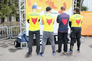 В футболках Squad Ua Runners