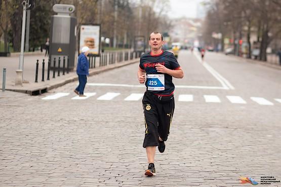 Полон сил, убегаю на второй круг марафона